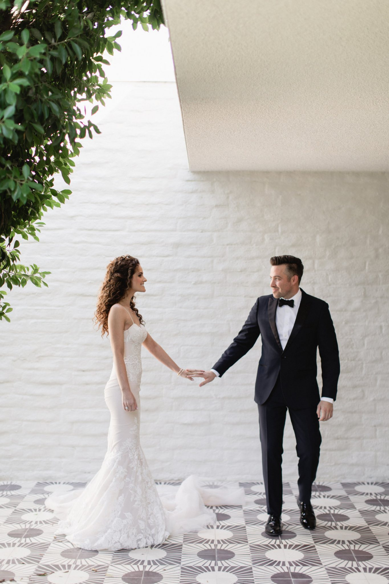 Top 5 tips and ideas to help you get all your wedding photos
